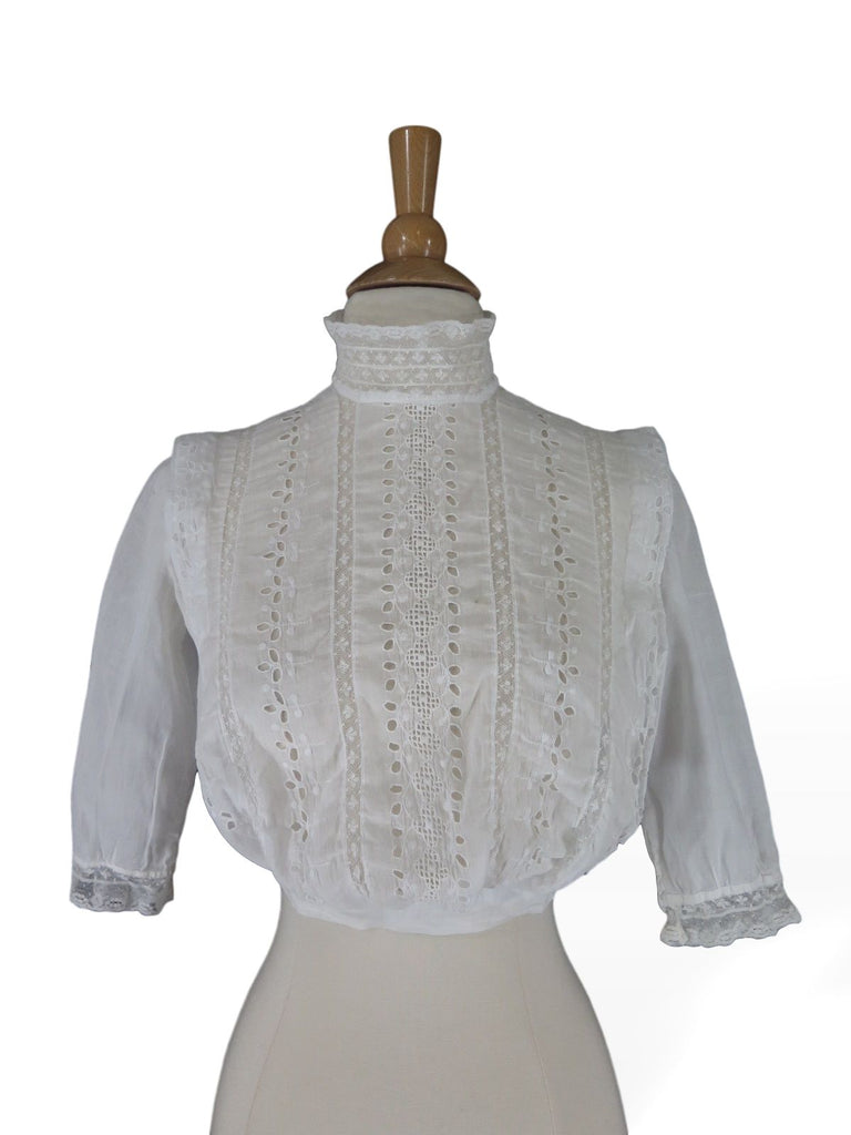 Antique shirt waist