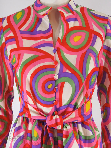 60s/70s Psychedelic Shirtwaist - close view