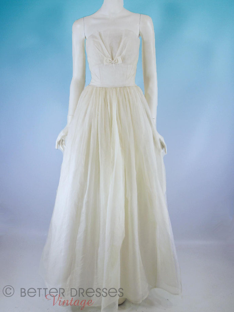 "50s/60s Strapless White Cupcake Gown - on ""blue sky"""