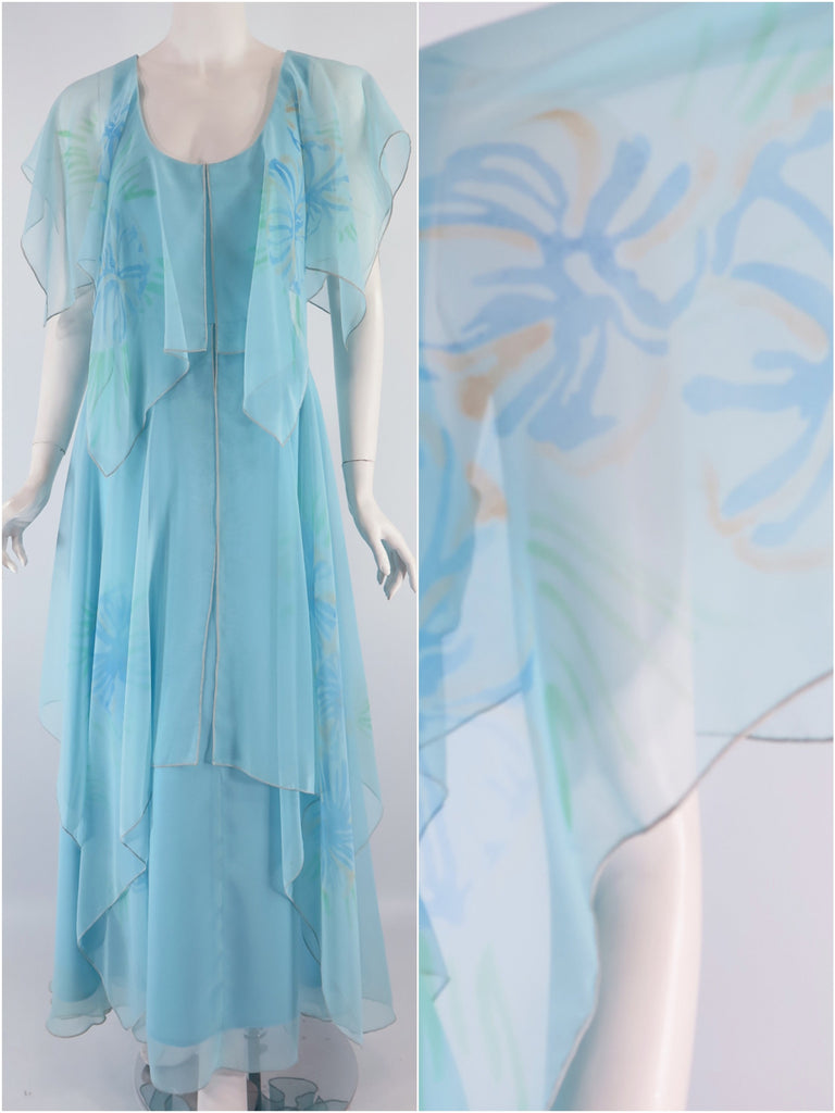 70s Light Blue Maxi - front + sleeve