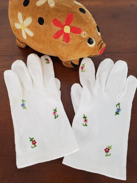 50s Little Girl's Gloves with Floral Embroidery