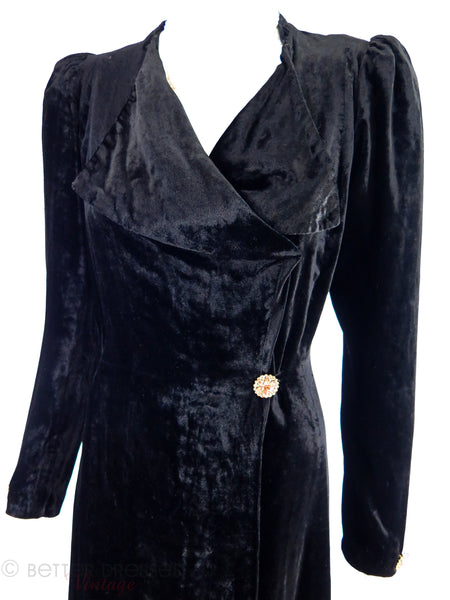 30s Black Velvet Dressing Gown