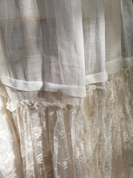 40s 50s Petticoat Detail View