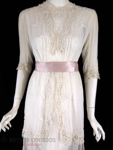 1910s Edwardian Lawn Tea Dress - with ribbon close