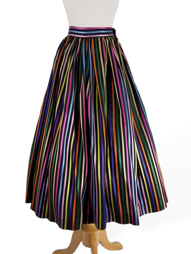 close view of 40s/50s striped skirt