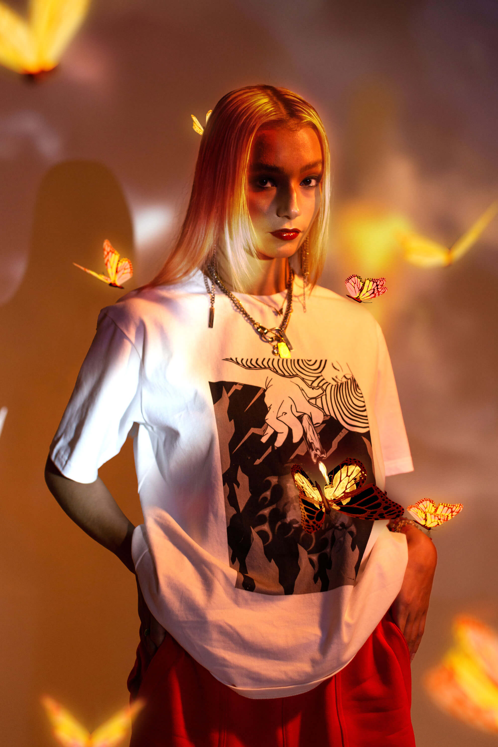 Moth to the Flame Graphic T-Shirt - Bobblehaus