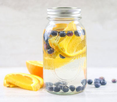 https://amindfullmom.com/wp-content/uploads/2018/01/Orange-Blueberry-Water.jpg
