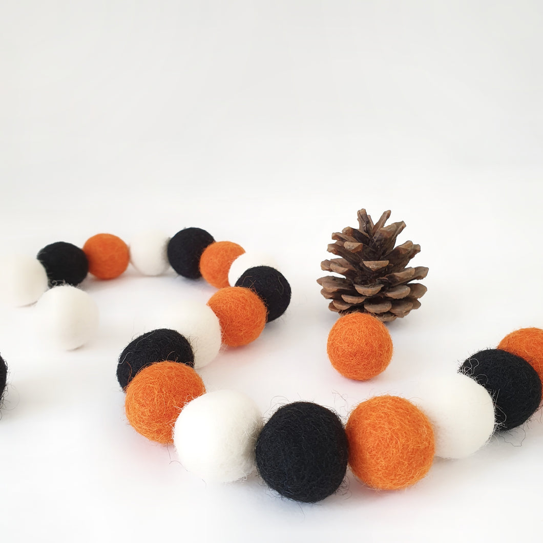 Lantern Pom Pom Garland - Felt Ball Nursery Decor