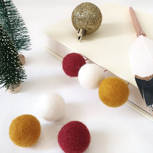 Merry Pom Pom Paperclips - Felt Ball Stationary Bookmarks