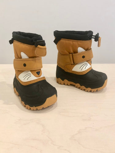 cat & jack snow boots / US 6