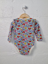 Load image into Gallery viewer, baby gap bodysuit / 6 -12m