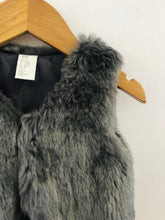 Load image into Gallery viewer, faux fur vest / 9-12m
