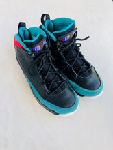 Load image into Gallery viewer, air jordan sneaker /  US 3 (youth)
