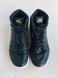 air jordan sneaker /  US 3.5 (youth)