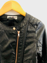 Load image into Gallery viewer, faux leather jacket / 6-7Y