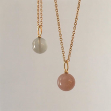 Pendant with peach moonstone