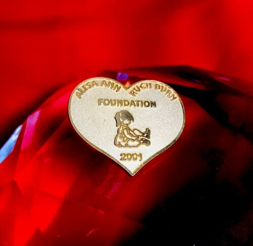 Authentic Alisa Ann Ruch Burn Foundation 2001 Heart Shape Pin Badge - Pin Only