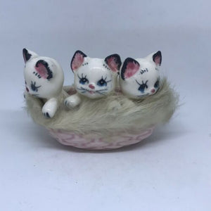 Vintage Porcelain 3 Pink Kittens In A Basket, Made In Japan