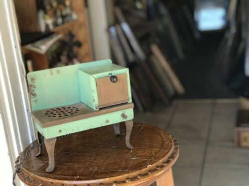 Antique/Vintage Mini Electric Toy Stove/Oven Kitchen Tin Metal 1920's rustic