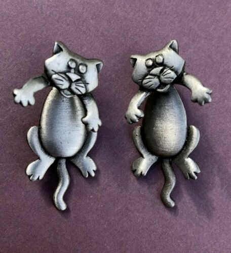 Vintage Signed JJ Articulated Swinging Cats Silvertone Earrings