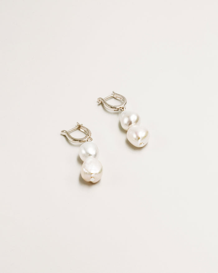 Lilja Earrings
