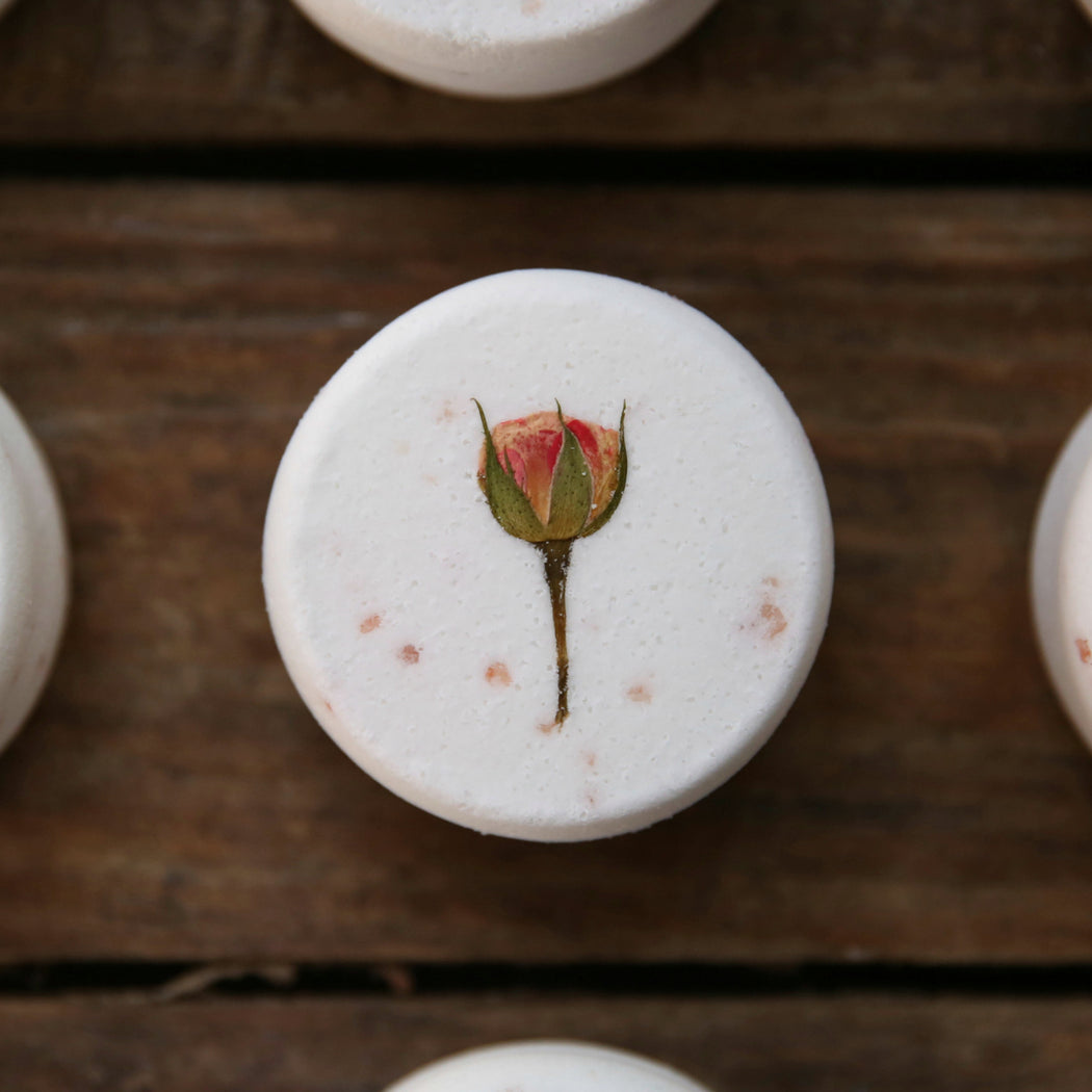 Cardamon Cedar & Rose Bath Bomb with Pink Himalayan Salt