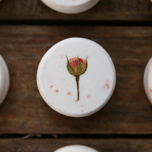 Cardamom Cedar & Rose Bath Bomb with Pink Himalayan Salt