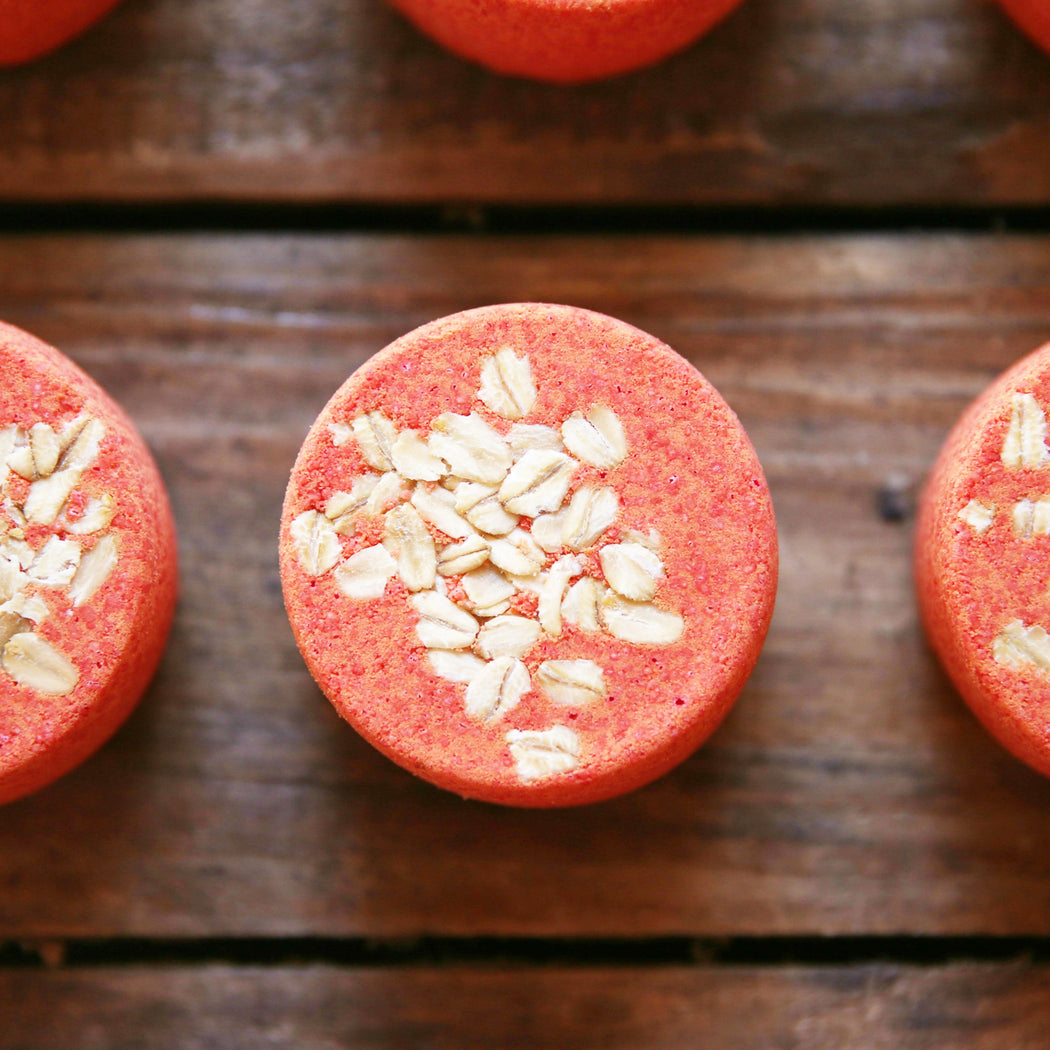 Forest Apple & Oats Bath Bomb