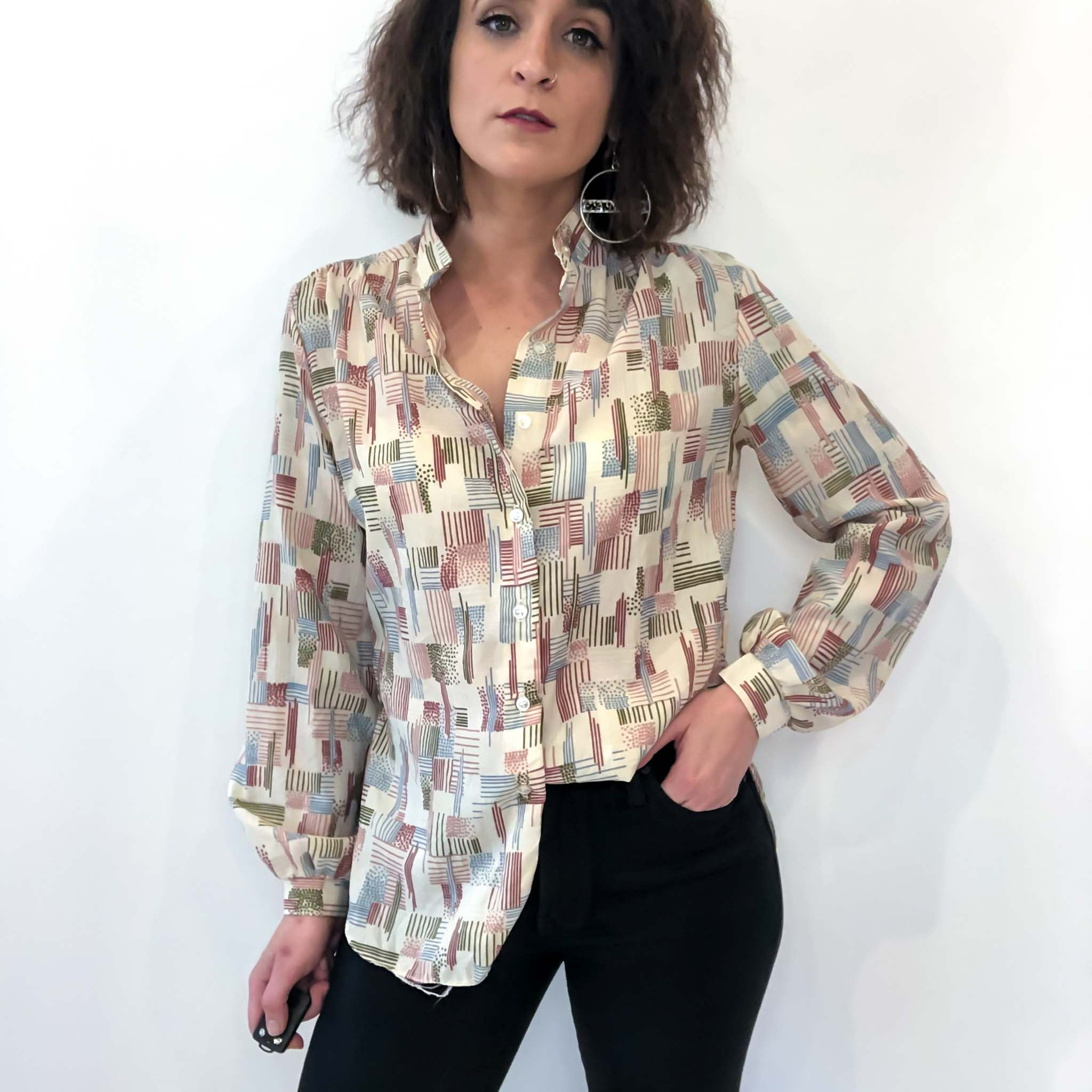 VINTAGE PRINTED BLOUSE : MEDIUM LARGE : IT'S PLACKETS! TOP