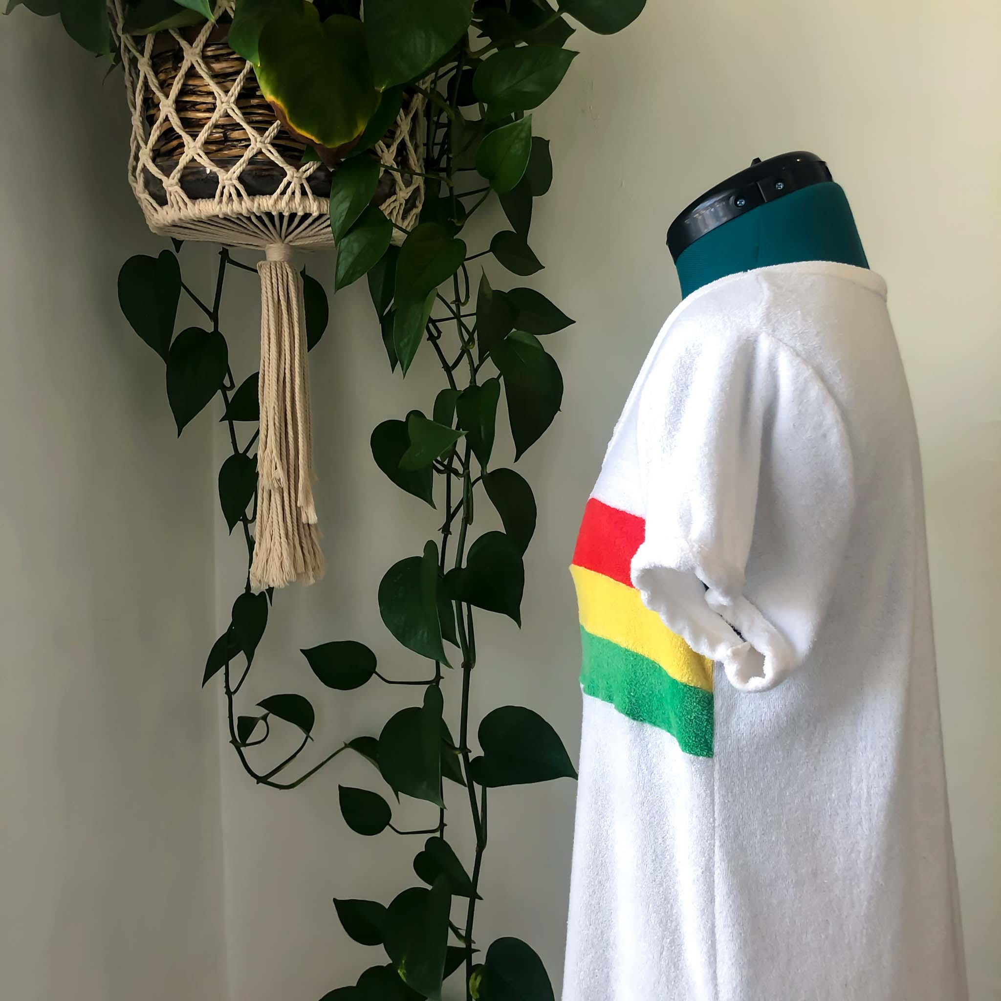 VINTAGE TERRY CLOTH POOLSIDE LOUNGE DRESS : MEDIUM - XL : THE RASTA MAXI