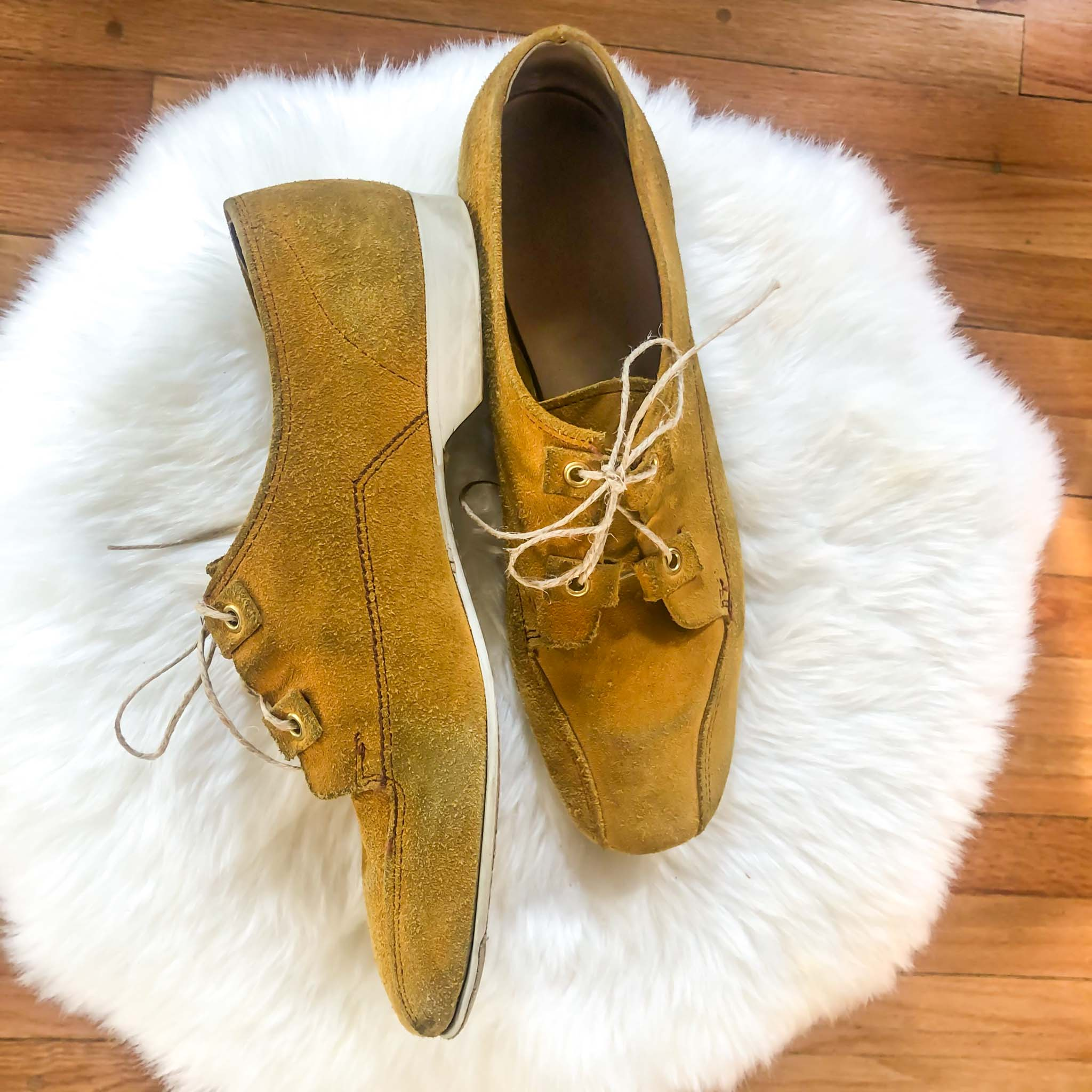 Vintage Suede Bowling Shoes : 8 Narrow : Chartreuse