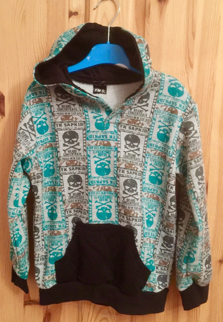 New Boys Girls Green Skull And Crossbones Hoodie - Exstore - Size 4 Yrs