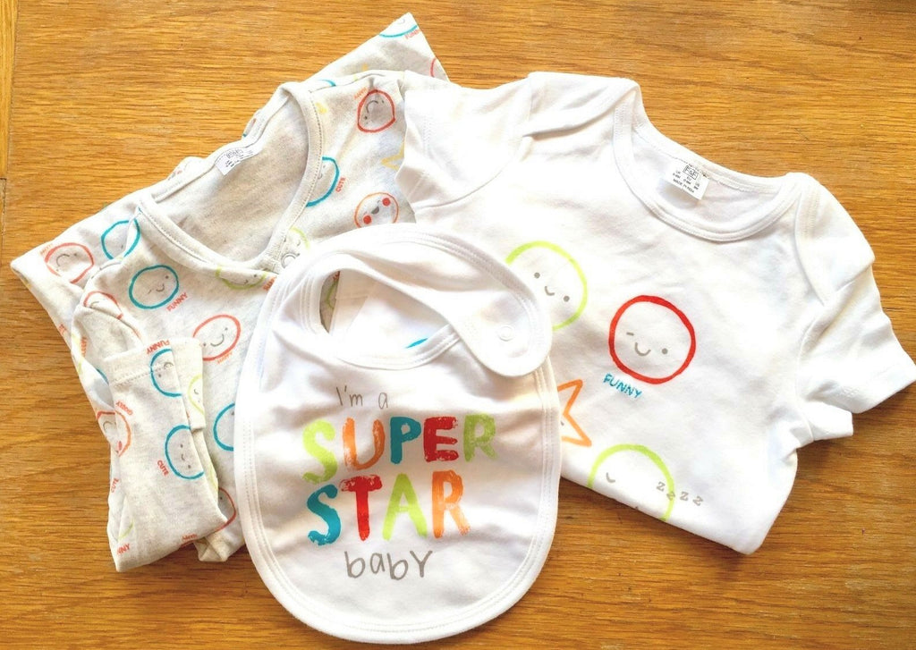 New Baby Neutral Super Star 3 Pc Vest Babygrow & Bib Set - Exstore F&F - Sizes Tiny Baby - 9m