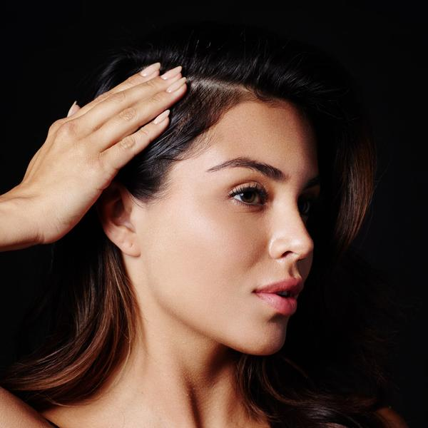 Massage thoroughly into the scalp and the roots of the hair. Do not oversaturate. Do not rinse out. Style hair as desired. Designed to work in tandem with Thickening Shampoo and Thickening Conditioner.