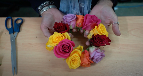Tie the rose strand together