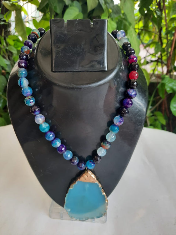 Blue Multi-Tone Onyx Pearls With Blue Natural Agate Pendant