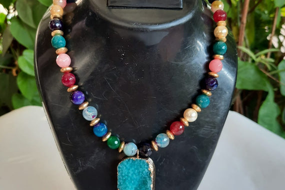 Multicolored Onyx Pearls Encrusted Multi Colored Blue Pendant Necklace