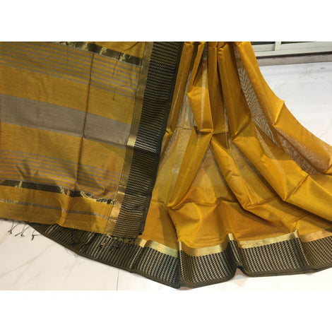 Maheshwari Short Border Saree