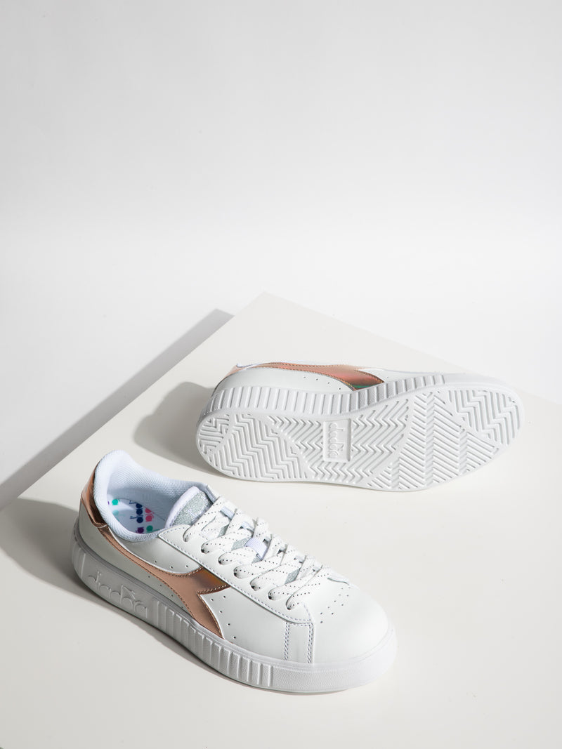 Snow Lace-up Trainers