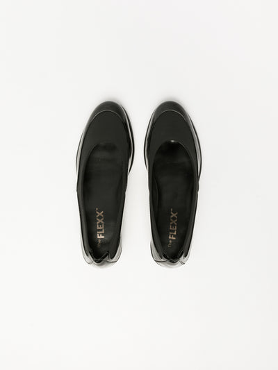 The Flexx Black Round Toe Shoes