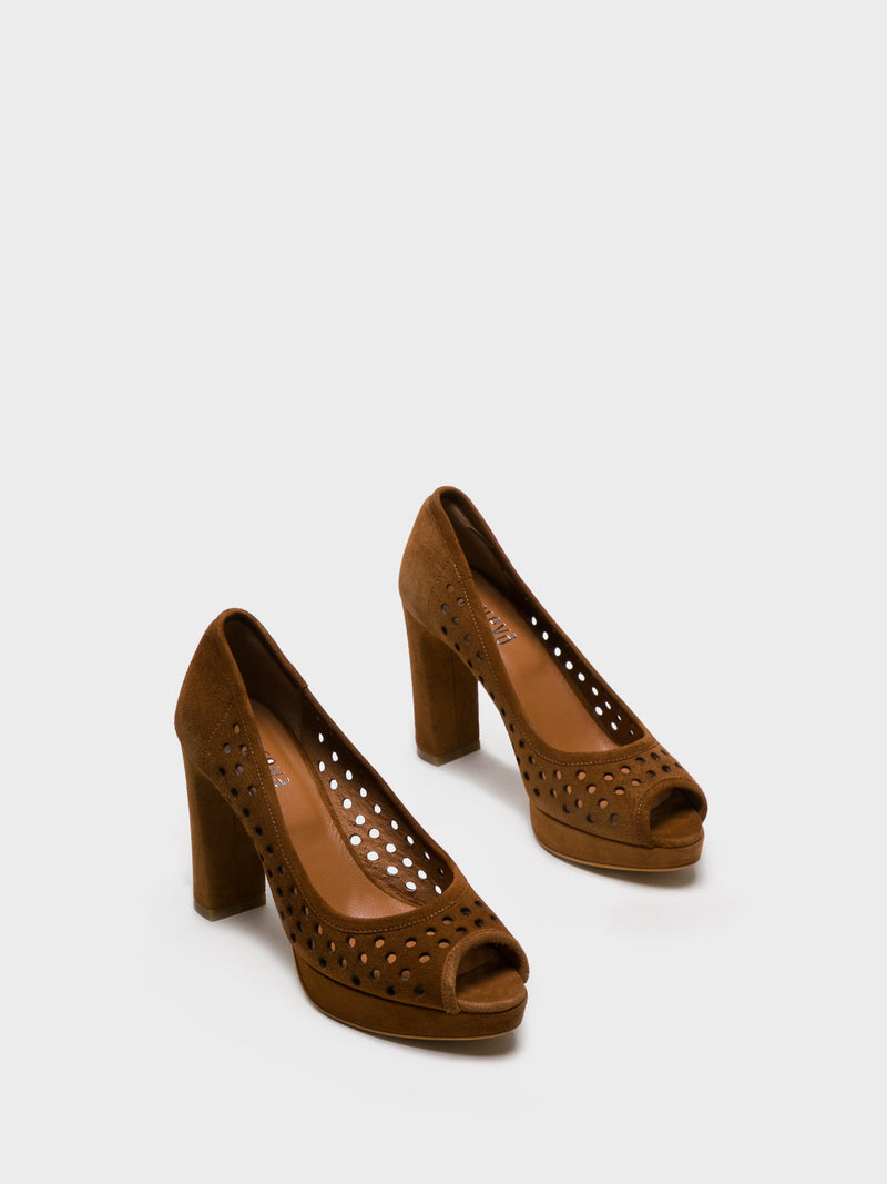 Peru Round Toe Pumps