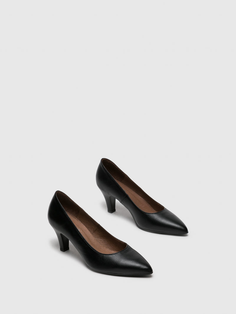 Black Leather Pointed Toe Pumps