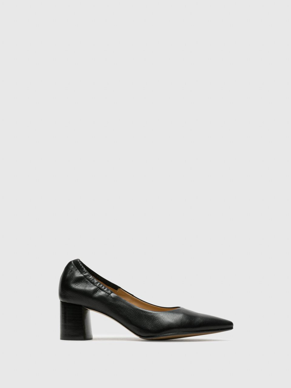 Perlato Black Round Toe Pumps Shoes