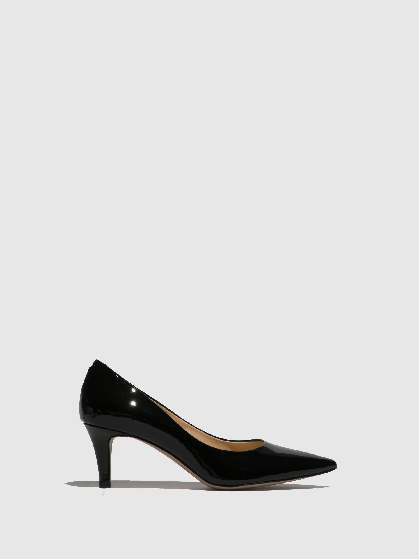 Perlato Black Pointed Toe Shoes