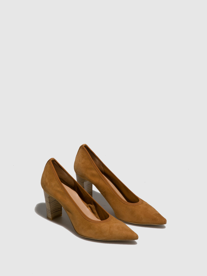 Perlato Camel Pointed Toe Pumps
