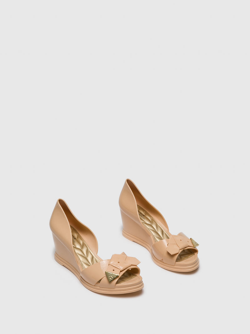 BlanchedAlmond	 Wedge Sandals
