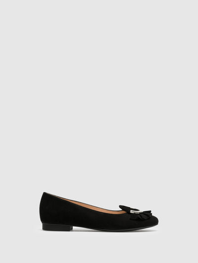 Sofia Costa Black Round Toe Ballerinas