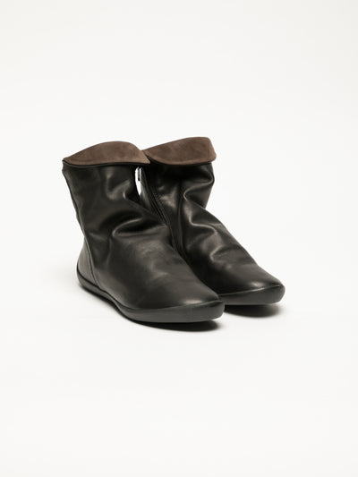 SOFTINOS Coal Black Zip Up Ankle Boots