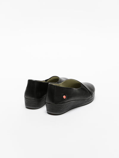 SOFTINOS Coal Black Wedge Shoes