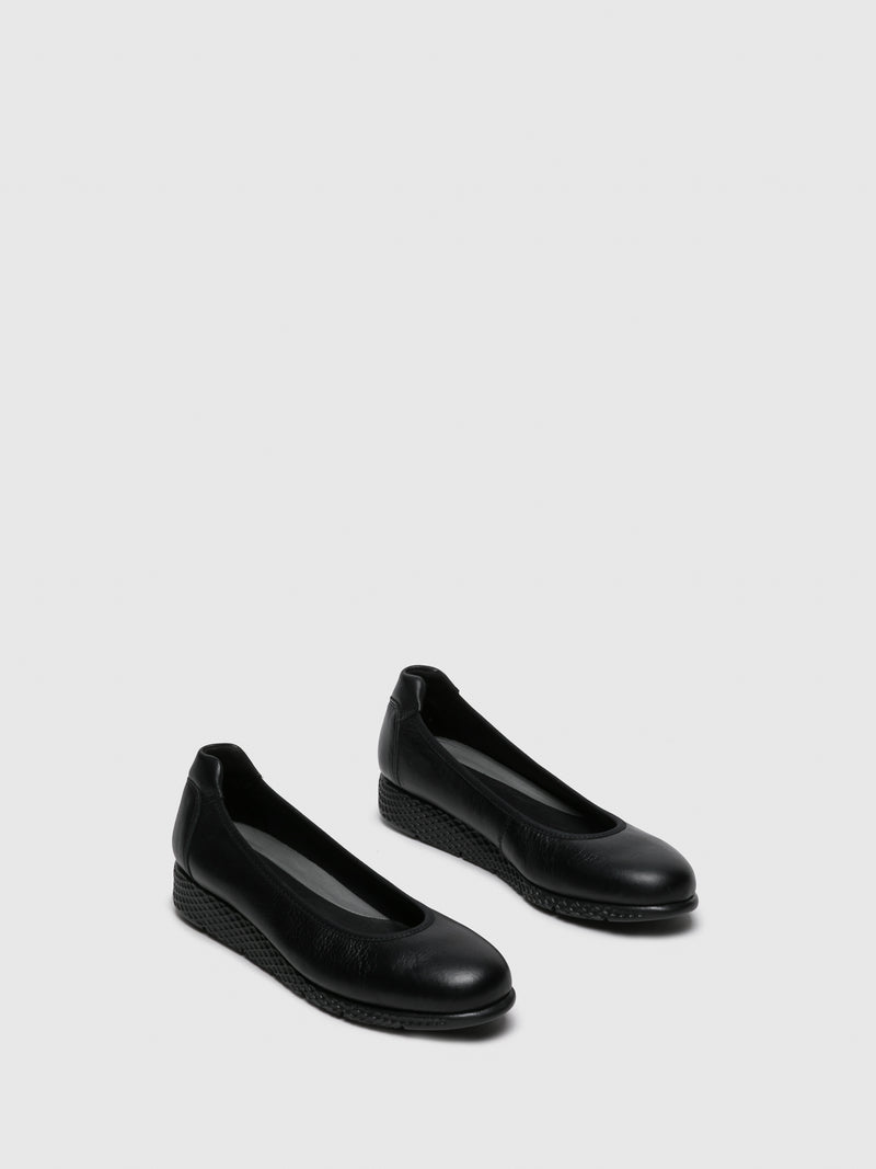 Black Leather Round Toe Ballerinas